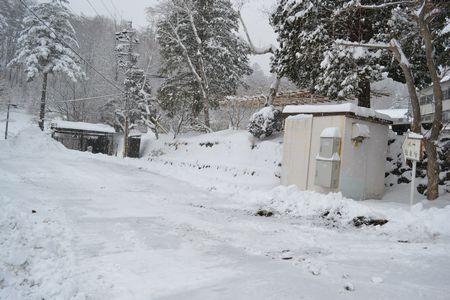 駐車場雪かき完了です!