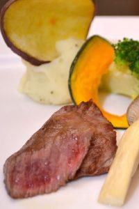 信州和牛のステーキ