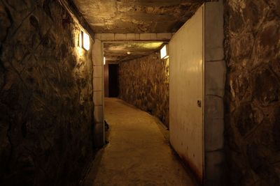 浮島風呂への洞窟